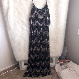 🆕 Lush Black and White Printed Maxi Dress